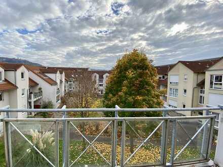 Gemütliche Dachgeschosswohnung mit Burgblick