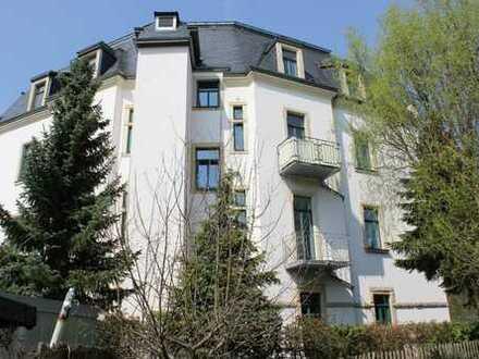 (WE10)Ruhige 2-Zimmer-Wohnung mit Parkett im Dachgeschoss, in Trachenberge.