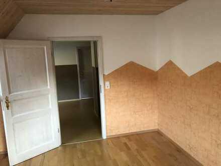 Attraktive, vollständig renovierte 4-Zimmer-DG-Wohnung zur Miete in Alpirsbach