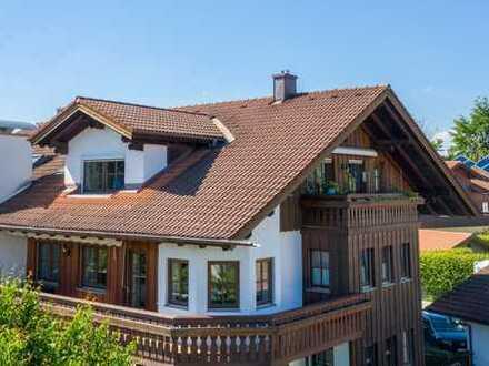 Helle 3-Zimmer Wohnung mit umlaufendem Balkon und Garten in ruhiger Lage