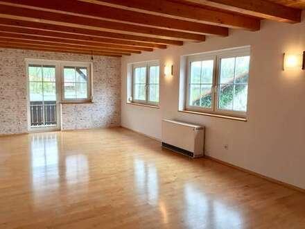 Großzügige Wohnung über zwei Etagen mit Garage und Garten in Niederfüllbach