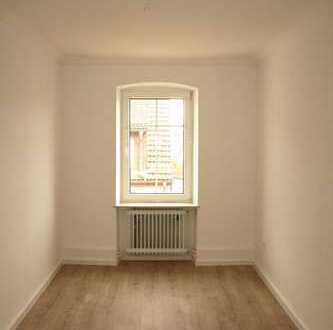 Großartige, neu renovierte 3 ZKB-Wohnung mit Einbauküche