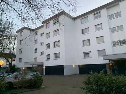 Helle und großzügige Dreizimmerwohnung in Bergisch Gladbach Hebborn