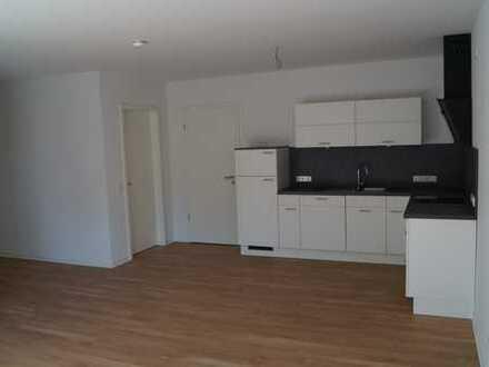 Freundliche, helle 2-Zimmer-Wohnung in Oldenburg (Oldb). Erstbezug mit Einbauküche und Balkon.
