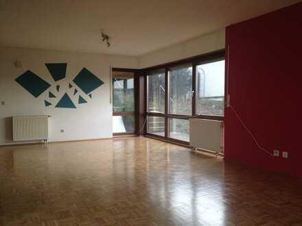 Schöne helle 3-Zimmer-Wohnung mit Balkon in Neckarburken