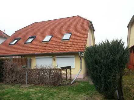 Doppelhaushälfte in ländlicher Lage