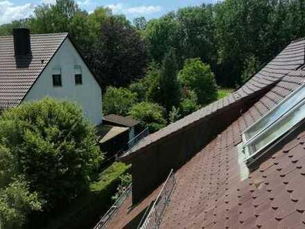 WG willkommen ! Komfortable Dachgeschosswohnung Nähe Bahnhof.