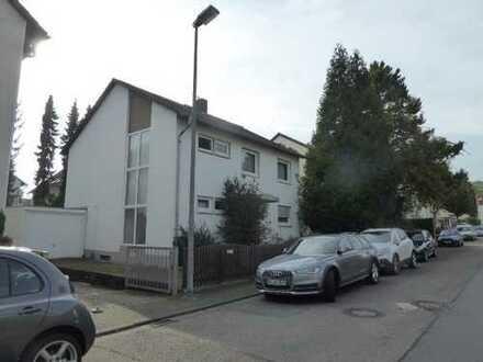 Unbeschwertes Wohnen im freistehenden Einfamilienhaus in Südwestlage nahe den Weinbergen