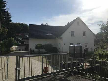 Helle Doppelhaushälfte mit vier Zimmern in Aidlingen zu vermieten - von privat