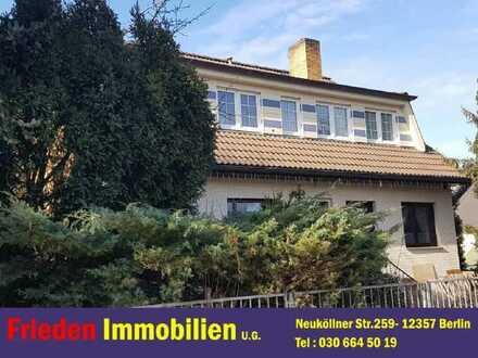 1-2 Familienhaus zur Zeit in sanierung, wird 9.2021 frei, in Berlin-Buckow (Generationshaus)!