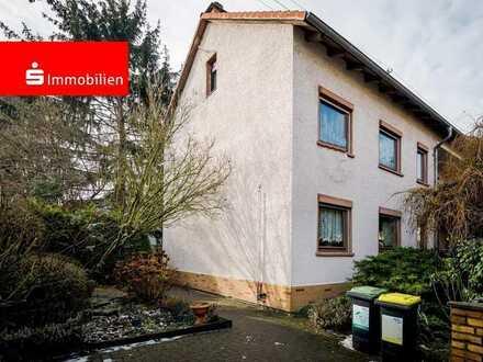 Kapitalanlage oder Eigennutzung  – Zweifamilienhaus in Toplage von Frankfurt Hausen
