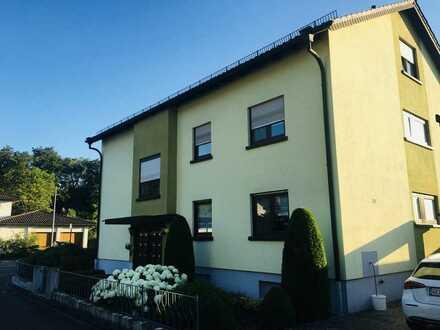 Helle freundliche 4-Zimmer-Wohnung mit Balkon in Rülzheim