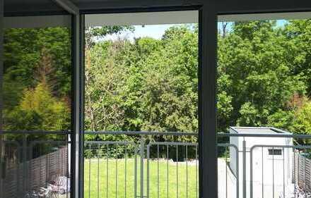 Schöne, neuwertige 4 Zimmer Wohnung mit Balkon in Dieburg Waldrandlage