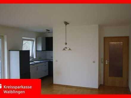 Gepflegte 2 Zimmer-Erdgeschoss-Wohnung am Ortsrand von Unterweissach!