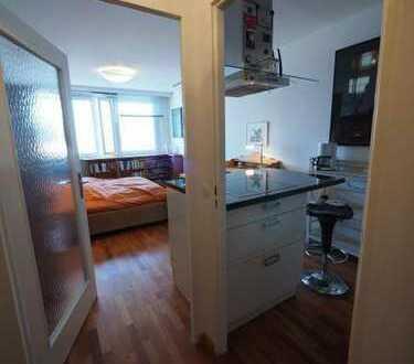 Neuwertige 1-Zimmer-Wohnung mit Balkon und Einbauküche in Aalen