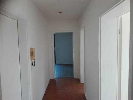 Mammendorf Helle 2,5 Zimmerwohnung plus Wohnküche 70 qm Südbalkon