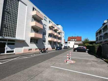 Exklusive, gepflegte 2,5-Zimmer-Wohnung mit Balkon und Einbauküche in Stuttgart