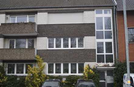 Modernisierte 4-Zimmer-Wohnung mit Balkon in Moers