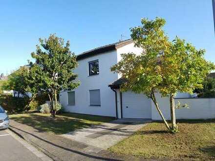 Zur Miete: Freistehendes Einfamilienhaus in Hattersheim