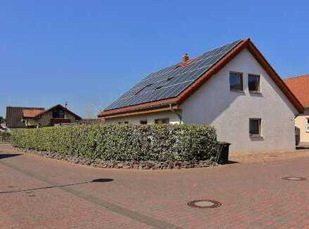 Einfamilienhaus mit Einliegerwohnung in Alpen