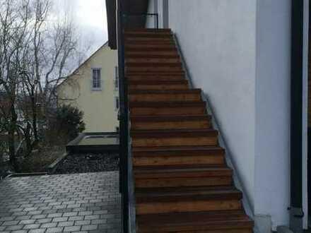 Neuwertige 3-Raum-DG-Wohnung mit Balkon in Kaufbeuren-Oberbeuren