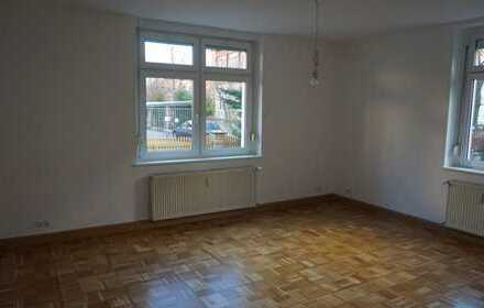 Gepflegte 4-Zimmer-EG-Wohnung mit Balkon überdacht in Meißen (Kreis)