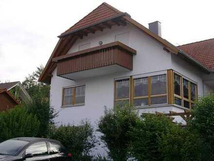 Gepflegte 2-Zimmer-Wohnung mit Balkon und Einbauküche in Calw (Kreis)