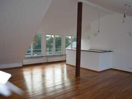 Haus mit ca.200qm Wohnfläche und Gewerbefläche in Kelkheim-Fischbach