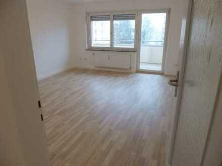 Schöne, helle 3 1/2-Zimmer-Wohnung mit Balkon