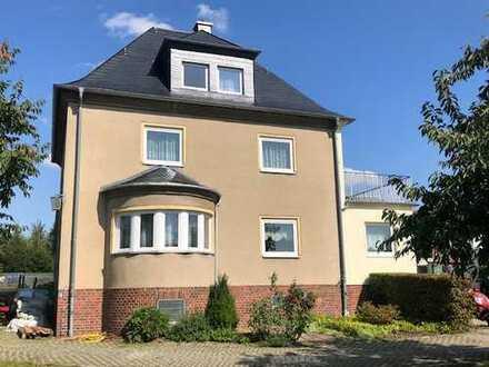 Interessantes Einfamilienhaus mit großem Garten in C.-Röhrsdorf!