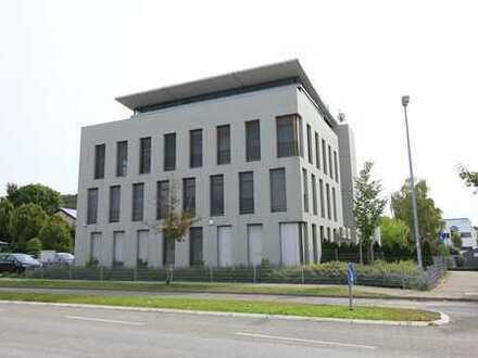 Moderne Büroräume mit Ausblick in Leonberg (Ramtel)