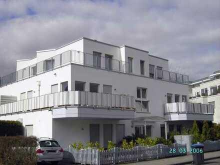 Moderne lichtdurchflutete Wohnung mit großen Balkonen