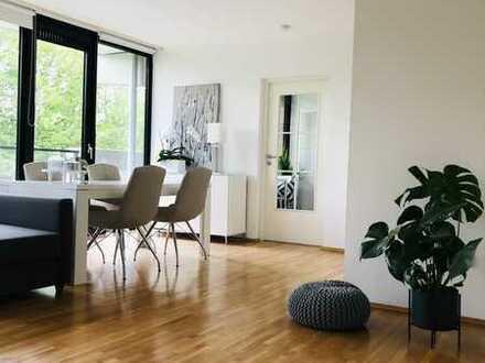 Stilvolle, möbilierte und modernisierte 2-Zimmer-Wohnung mit Balkon& Einbauküche in Köln Westhoven