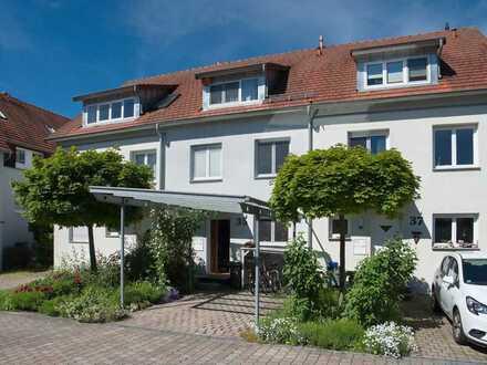 Ansprechendes 6-Zimmer-Reihenhaus mit EBK in Altdorf