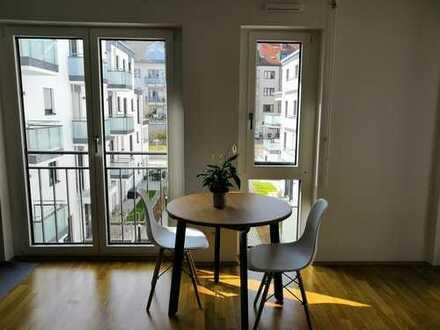 Stilvolle, neuwertige 2-Zimmer-Wohnung mit Balkon und EBK nahe U3 Petuelring