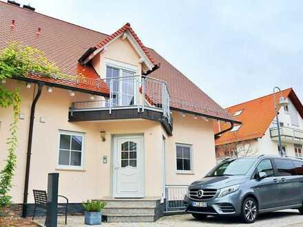 Neuwertig und gehoben ausgestattete Doppelhaushälfte mit vielen Extras…