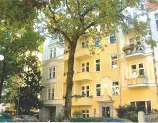 Stilvoll möblierte Altbauwohnung mit Südbalkon in Friedenau