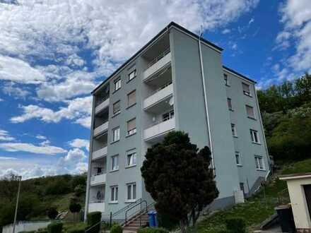 Erstbezug nach Sanierung: ansprechende 3-Zimmer-Hochparterre-Wohnung mit Balkon in Lorch