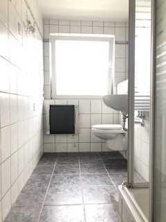 !Selbstrenovierer aufgepasst! DG-Wohnung mit potential in TOP Wohnlage zu vermieten! 360° Rundgang!