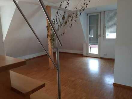 Schöne Dachgeschosswohnung in Zuffenhausen zu vermieten