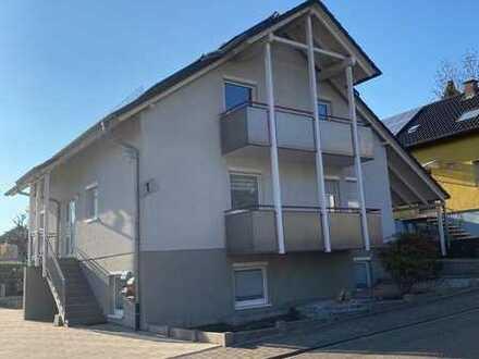 Gepflegte 3,5-Zimmer-Dachgeschosswohnung mit Balkon und Carport in Östringen - OT Odenheim
