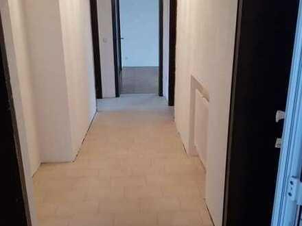 Ansprechende 4-Zimmer-Wohnung mit Balkon in Hattenhofen, Bad. Württ