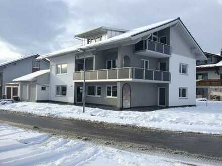 Traumhafte 2-Zimmerwohnung mit 3 Balkonen zum Erstbezug nach hochwertiger Komplettsanierung