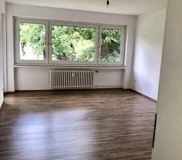 Neu Bensberg-Frankenforst modernisierte drei Zimmer Wohnung mit unverbaubarem BLICK ins GRÜNE