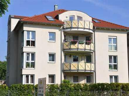 *** Extravagante 3-Zi.-DG.-Wohnung mit EBK und großem Balkon ***