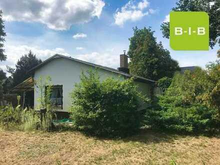 Bauträgerfreies Grundstück mit kleinem Haus zum Verkauf im Herzen von Grünau
