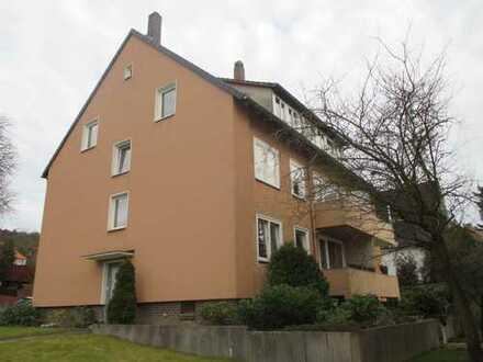 Helle renovierte 2-Zi.-DG-Whg mit Balkon und EBK am Galgenberg