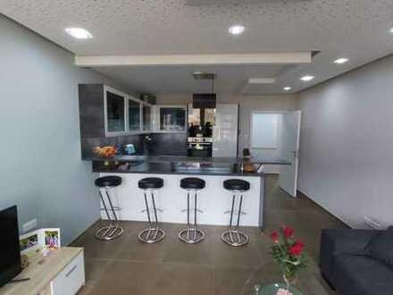 Top modernisierte 3-Zimmer-Eigentumswohnung mit hochwertiger Einbauküche