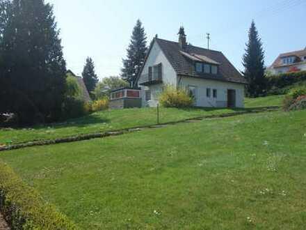 Ruhiges, in Park gelegenes EFH in unmittelbarer Nähe zur Kirchheimer Innenstadt und S-Bahn