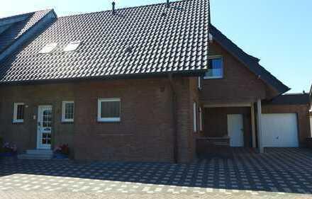 Schicke Eigentumswohnung im ZFH mit Garten und Garage zu verkaufen - Rhede, schöne ruhige Wohnlage -